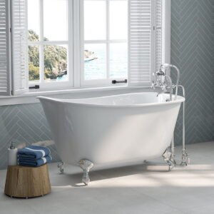 Swedish Slipper Tub with Chrome Faucet & Clawfeet 02